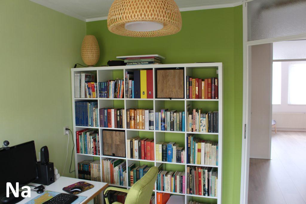 De stole kleurt prachtig bij het groen van de muren